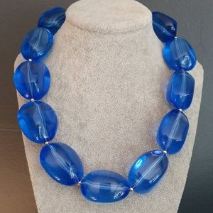 Chunky blue beaded necklace NWT